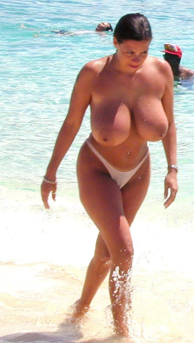 Busty Woman On Topless Beach  Uncensored News And Photos-4223