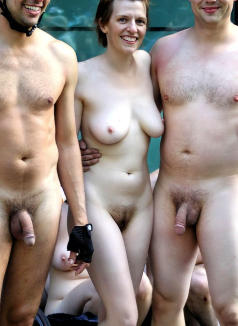 фото голые и одетые в контакте